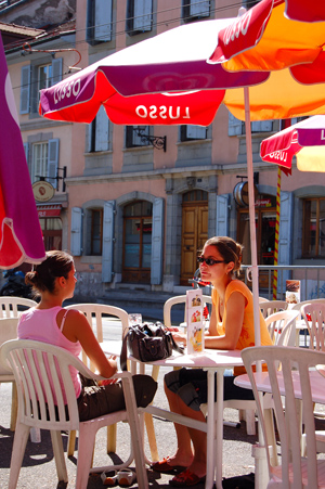 A sidewalk café in Carouge, near the French border