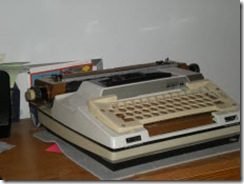 Smith Corona 2200 electric typewriter with keyguard